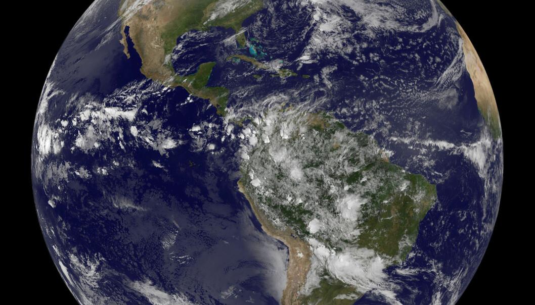 <strong>NY TILSTANDSRAPPORT:</strong> I en fersk rapport har forskere fra WWF overvåket utviklingen i drøyt 14 000 bestander av 3 700 ulike arter. <div></div><div> Fra 1970 til 2012 gikk bestandene ned med 58 prosent. Det betyr at verdens dyreliv er mer enn halvert på litt over 40 år. Foto: REUTERS/NOAA/Scanpix</div>