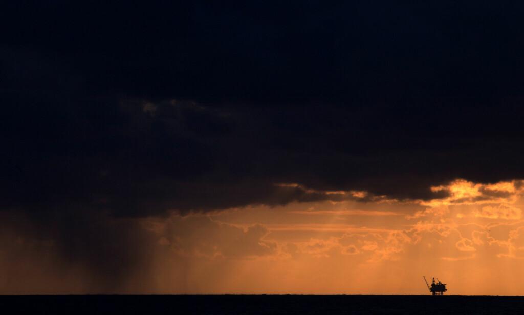 - EN BRANSJE I SOLNEDGANG: Marius Holm, daglig leder i Zero, tror oljebransjen går en usikker framtid i møte, og sier det gjenstår å se om oljeselskapee klarer å endre seg like raskt som verden må endre seg dersom vi skal nå klimamålene. Foto: Roger Hardy / Samfoto / NTB Scanpix