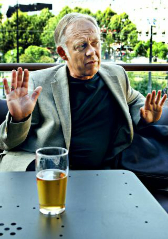 LAGRENE TØMMES: Petter Nome, direktør for Bryggeri- og drikkevareforeningen, sier en langvarig bryggeristreik vil føre til tomme tappekraner. Foto: NTB Scanpix