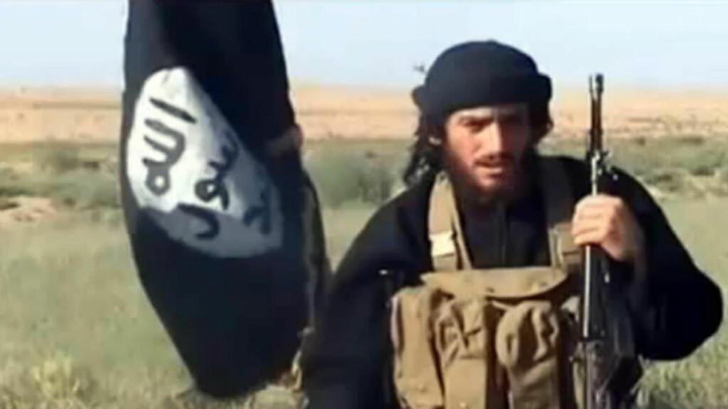 TRUSSEL: Det skal være denne mannen, IS-talspersonen Abu Muhammad al-Adnani, som høres i lydklippet. Foto: AFP / Youtube / NTB Scanpix.