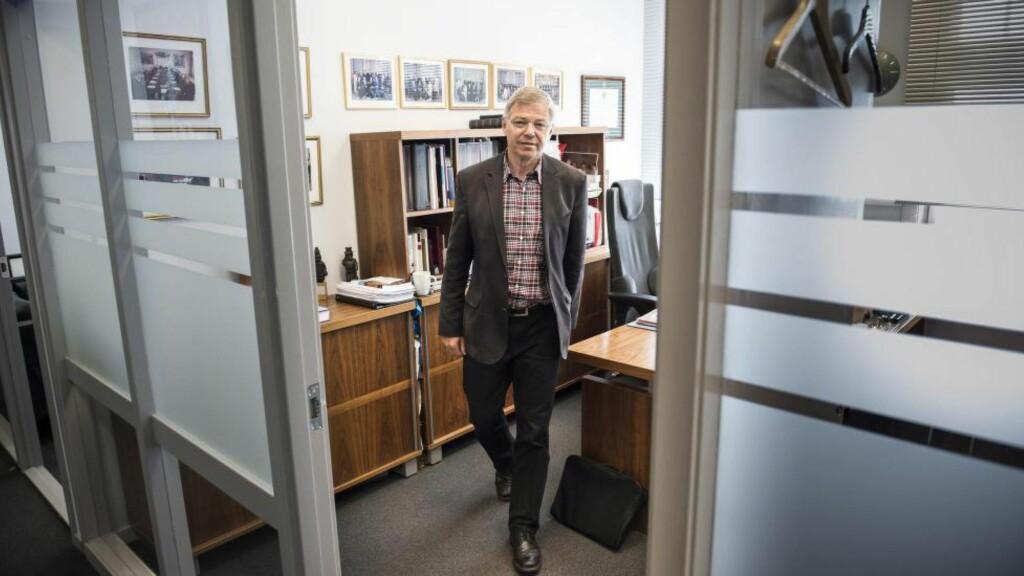 BONDEVIK: Kjell Magne Bondevik på kontoret i Oslosenteret, som fyller ti år i dag. Foto: Lars Eivind Bones / Dagbladet