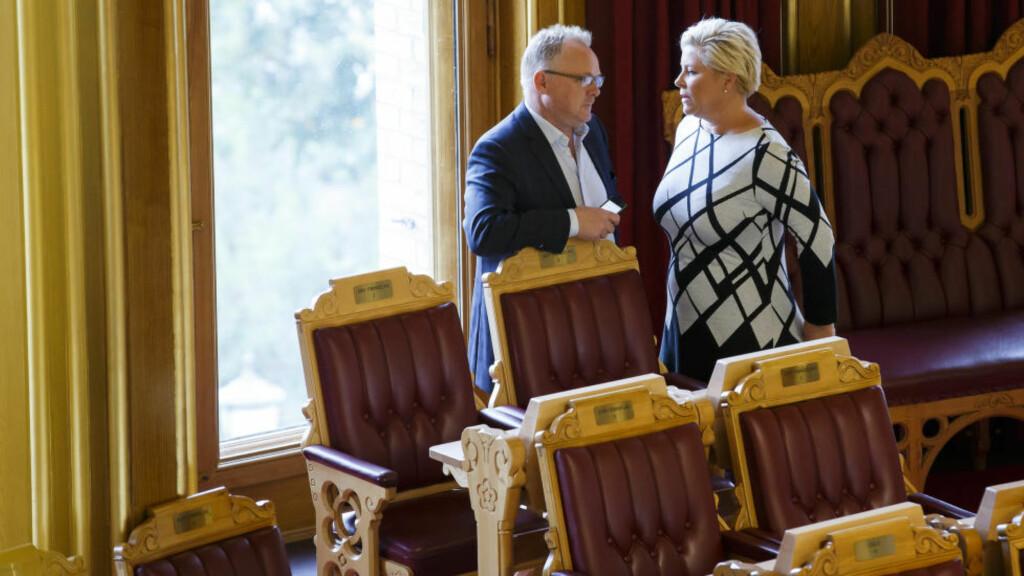 MØTES I LANDSSTYRET: Det blir debatt om asyl og budsjett når Siv Jensen og Per Sandberg holder landsstyremøte denne helgen. Men det store dramaet starter først en ukes tid seinere. Foto: Heiko Junge / NTB scanpix.