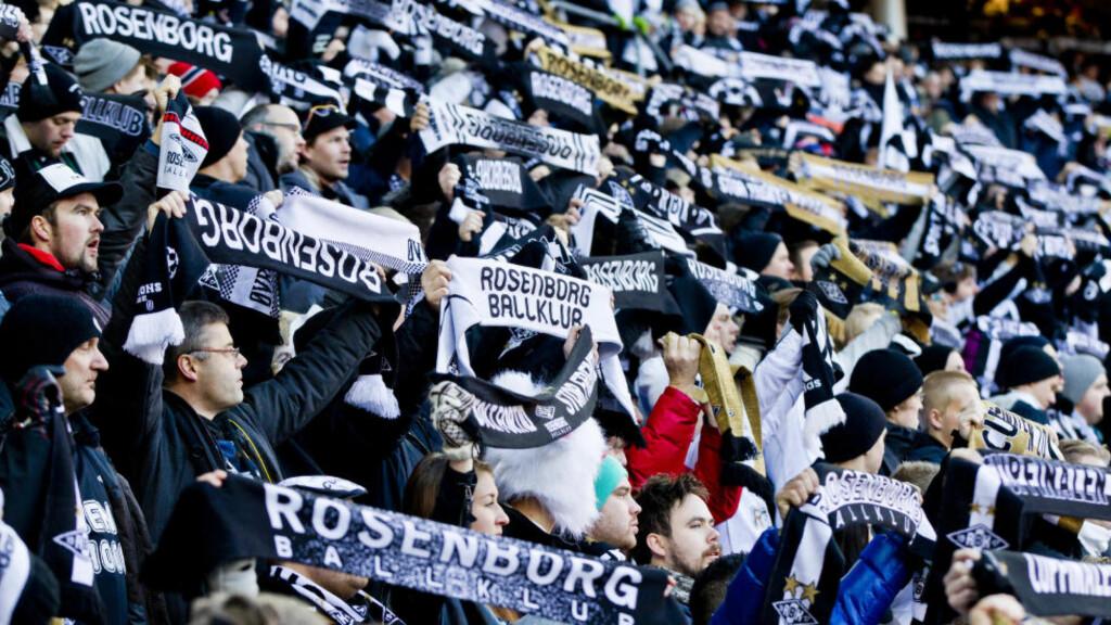 TRØNDERNE STÅR OPP: Rosenborgs supporterklubb Kjernen går i rette med Dagbladets fotballkommentator Morten Pedersen. Foto: Vegard Grøtt / NTB Scanpix