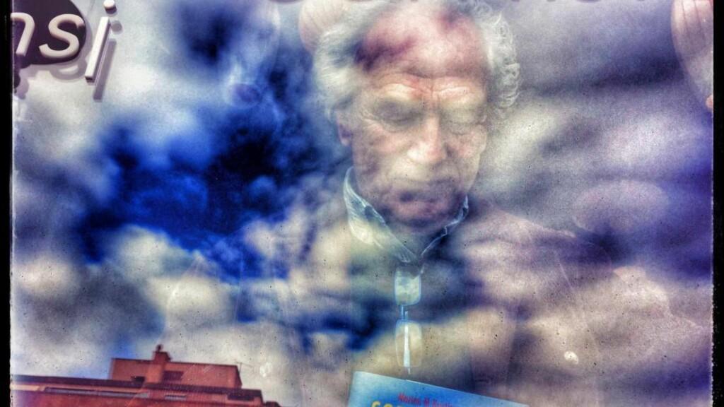 """MORTEN ROMAN: Morten M. Kristiansen er fortsatt Morten M. blant venner, men nå tegner han med ord i romanen """"Sorrento, esse!"""". Foto: Tom Stalsberg"""