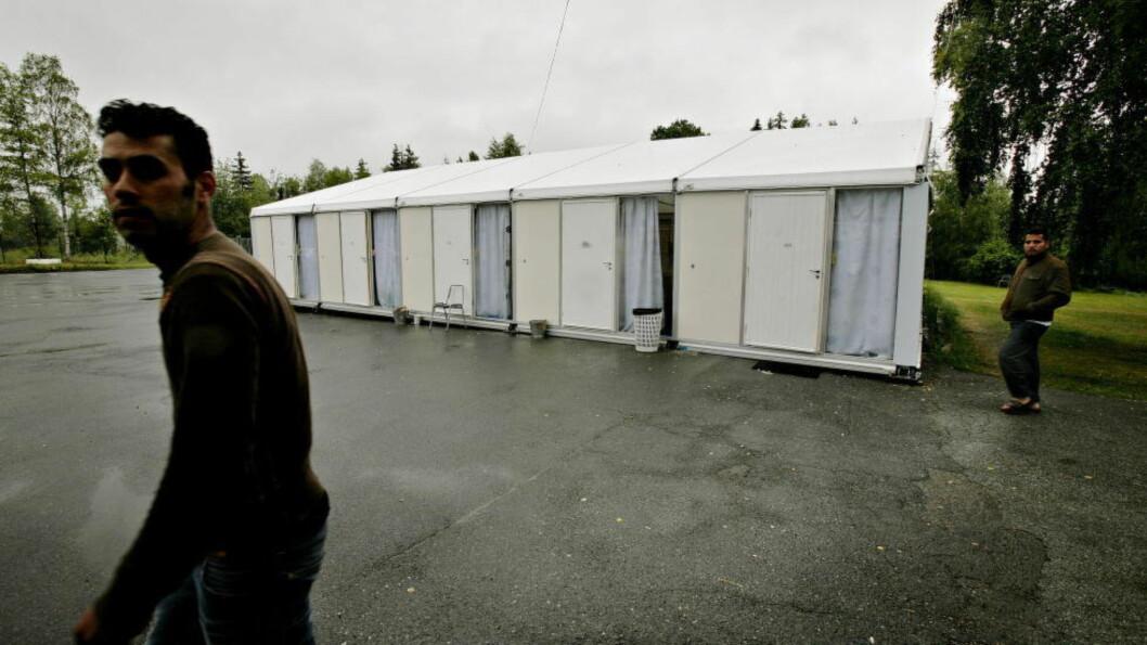NOEN BEDRE? Denne omstridte teltleiren på Lier Statlige ventemottak ble brukt til å å ta imot asylsøkere. Foto: Kristian Ridder-Nielsen