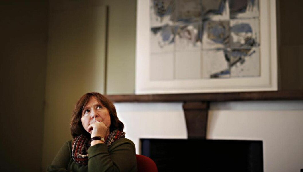 <strong>LITTERATURPRIS:</strong> Hviterussiske Svetlana Aleksijevitsj er en sterk kandidat til årets Nobelpris i littertur. Hun bruker sitt forfatterskap til å beskrive det hun kaller «det grusomme eksperimentet» som Sovjetunionen var.  Foto: Frank Karlsen