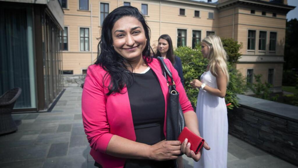 IKKE STILLE: Shabana Rehman ut mot Hilde Sandvik.  Foto: Bjørn Langsem / DAGBLADET