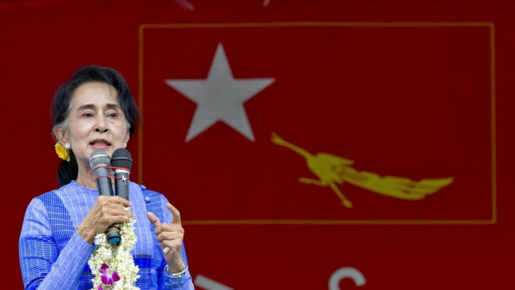 KRITISK:  Myanmars opposisjonsleder Aung San Suu Kyi retter kritikk mot norske myndigheter for å støtte den militære regjeringen i landet. Foto: NTB scanpix