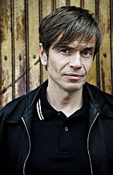 Kjetil Rolness er sosiolog, forfatter og foredragsholder, også kjent som Jens Pikenes, sanger i Penthouse Playboys.