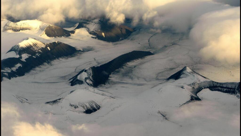 TRUET: Lenge har man sett på Arktis som for mektig til å underlegge seg menneskets krefter.  Nå sier vitenskapen at de arktiske økosystemene er mer utsatte og mer sårbare enn andre, skriver Halvard Haga Raavand. Foto: Aleksander Nordahl / Dagbladet