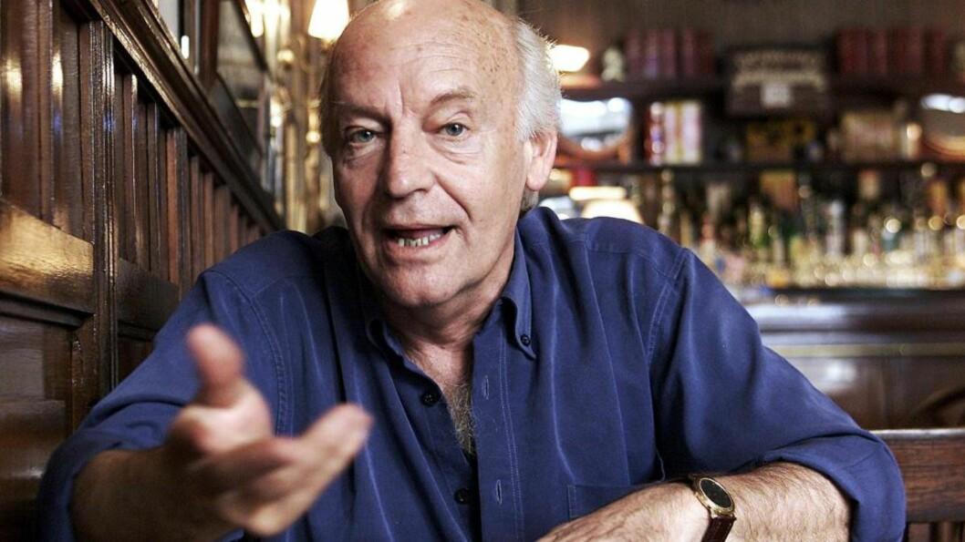 <strong>MONTEVIDEO:</strong>  «Dei kan ta frå oss blomane, men ikkje våren.» I går fikk vi vi beskjed om at forfatteren fra Uruguay, Eduardo Galeano, er død. Her på stambaren «Cafe Brasilero». Foto: Reuters / NTB Scanpix