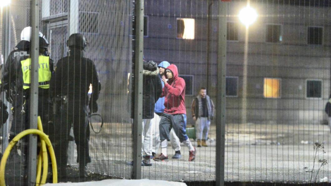 <strong>OPPRØR:</strong> Mellom 50 og 60 innsatte deltok i opprøret på Trandum utlendingsinternat 15. mars. Vi bør lytte til hvorfor. Foto: Dagbladet / Thomas Rasmus Skaug