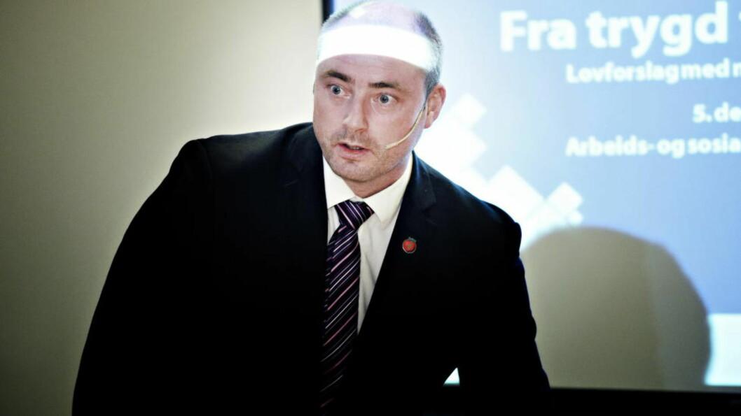 Den nye uføretrygden  til arbeids- og sosialminister Robert Eriksson (FrP) trådde i kraft 1. januar 2015.  Foto : Endre Vellene