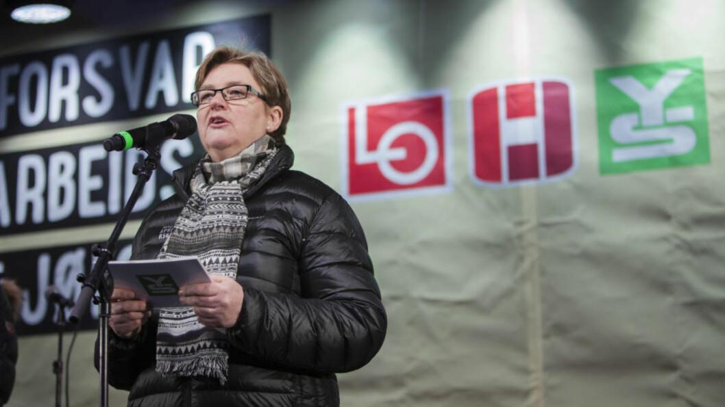 YS, med YS-leder Jorunn Berland (bildet) i spissen,  takker ja til invitasjonen fra Venstre, FrP og Høyre dersom forslaget vil være et som ikke går langt utover det problemet man ønsker å løse, og som vil øke utryggheten og svekke pensjonsrettighetene for så mange arbeidstakere.