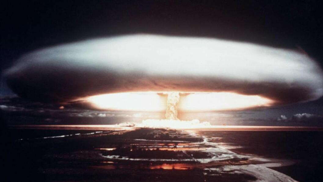 <strong>TEST:</strong> En fransk atomtest ved Mururoa-atollen.i 1971. Frankrike var et av landene Norge forsynte med tungtvann til atomforskning. Foto: AFP