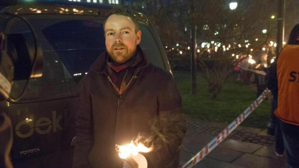 - FLYTTER PROBLEMER: Statsråd Torbjørn Røe Isaksen var blant tusenvis som søndag ettermiddag i Oslo gikk i fakkeltog mot mobbing.