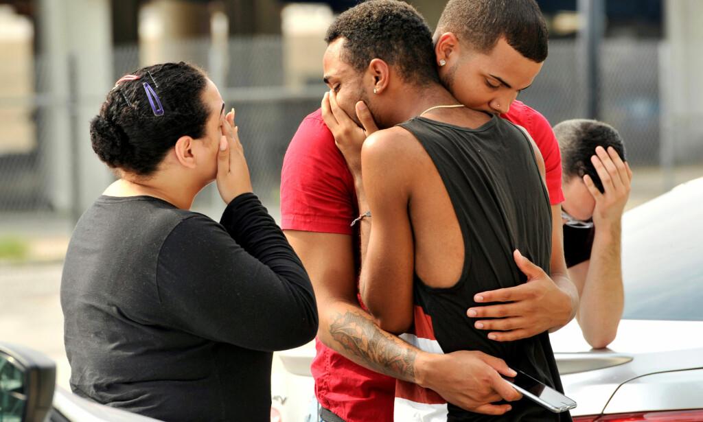 SORG: Verden er i sjokk etter masseskytingen i Orlando i USA. Foto: NTB Scanpix