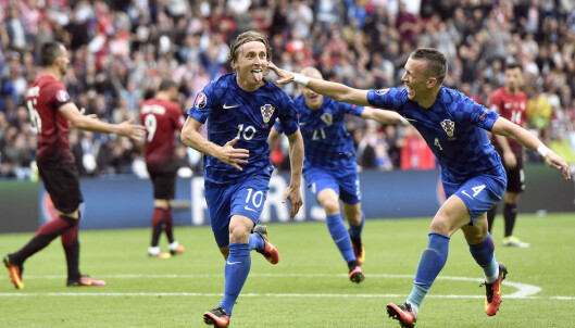 USIKKER. Luka Modric er tvilsom til kveldens kamp. Foto: AP Photo/Martin Meissner