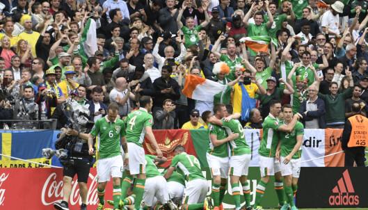 JUBEL: Irland etter 1-0-målet. Foto Janerik Henriksson / TT
