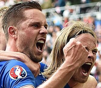 <strong>SCORET:</strong> Gylfi Sigurdsson scoret  i 1-1-kampen mot Ungarn på Stade Velodrome. Foto:EPA/PETER POWELL&nbsp;