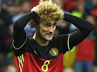 <strong>UGJENKJENNELIG:</strong> Fellainis talent så ut til å forsvinne med de mørke lokkene hans. Foto: AFP PHOTO / EMMANUEL DUNAND