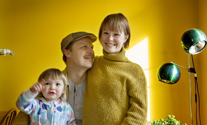<strong>MED FAMILIEN:</strong> Dagbladet traff Karla Siverts sammen med ektemannen Thorleif Linhave Bamble og datteren Juno (2) hjemme i parets leilighet i Gamlebyen i april. Foto: Anita Arntzen / Dagbladet