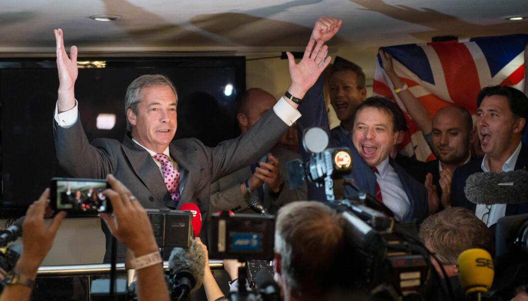 <strong>FEIRER:</strong> UKIP-leder og brexit-topp Nigel Farage jubler etter folkeavstemningen i Storbritannia. Nå peker pilene i hans retning. Foto: NTB scanpix