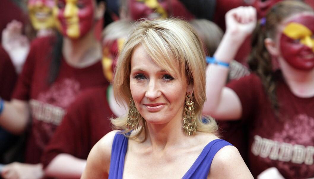 <strong>SKYLDER PÅ CAMERON:</strong> Forfatter J. K. Rowling har i ukesvis engasjert seg i kampen mot en eventuell Brexit. Nå som resultatene er inne, har hun alt annet enn gode ord om utfallet. Foto: NTB scanpix