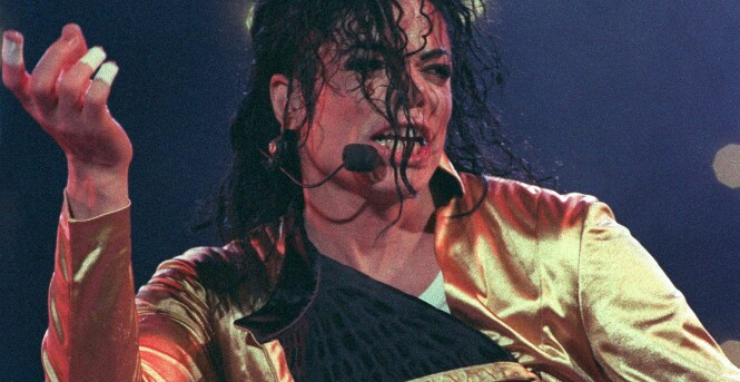 KONGEN: Michael Jackson er for mange bare kjent som kongen av pop. Her fra en konsert i Tokyo i 1992. Foto: AFP PHOTO / TORU YAMANAKA, NTB scanpix