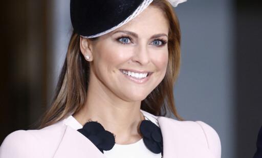 BER OM HENSYN: Dronning Silva mener yngstedatteren, prinsesse Madeleine, må tåle i overkant mye skriverier i media. Foto: Stella Pictures
