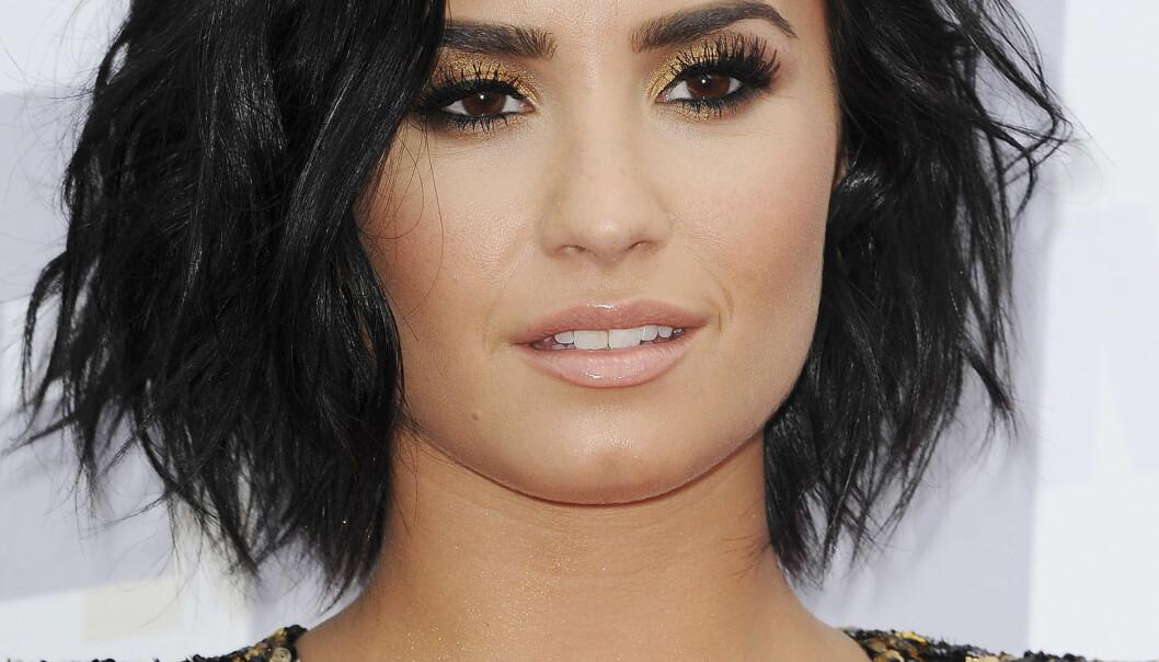 <strong>UT MOT FAN:</strong> Sangstjerna Demi Lovato så seg ikke fornøyd med måten hun ble framstilt på av en kunstnerisk fan. Nå slår kunstneren tilbake. Foto: Adhemar Sburlati/Broadimage, NTB scanpix