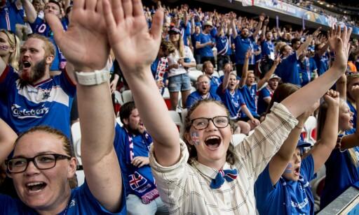 FANS: På tribunen i Island - England. Foto :ORRE PONTUS  / Aftonbladet / IBL Bildbyrå
