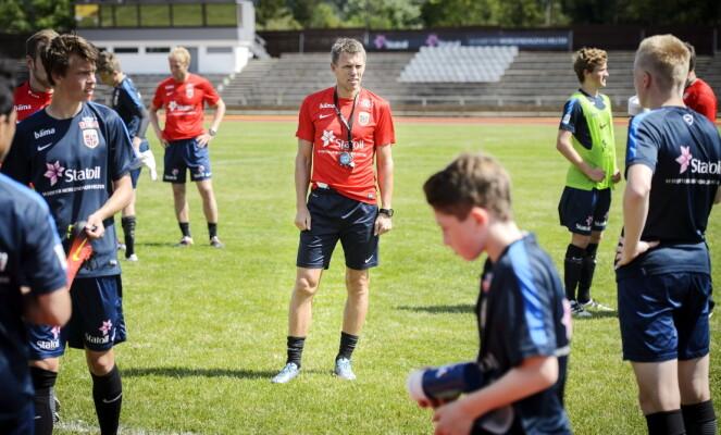 G15-TRENER: Landslagslegenden Gunnar Halle er med på utviklingen av den kommende generasjonen spillere som forhåpentligvis vil bidra for Norge i framtiden. Foto: John T. Pedersen / Dagbladet