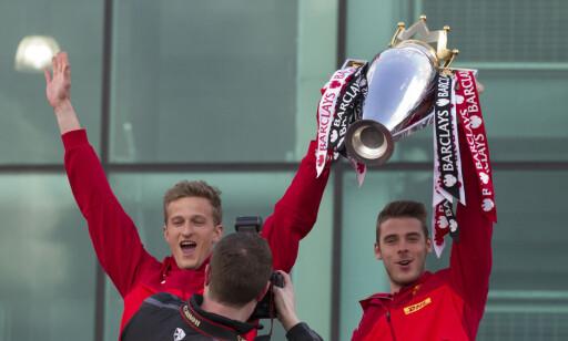 KONTRASTER: Anders Lindegaard vant den norske cupen med AaFK, men fikk være med på enda større triumfer i Manchester United. I en liten perioden holdt David de Gea på benken. Den perioden varte imidlertid ikke veldig lenge. Foto: NTB Scanpix
