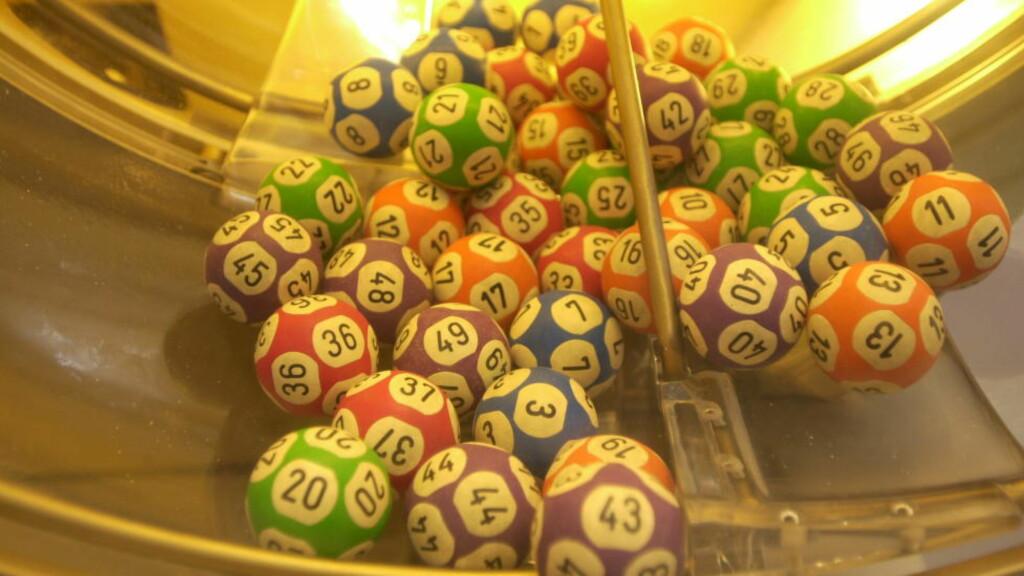 Små baller - store penger: På Hamar ruller ballene som endrer folks liv.