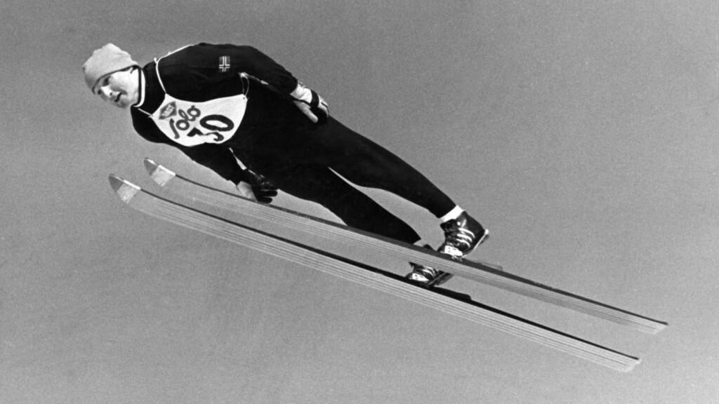 SATTE NORSK STANDARD:  Hopper var omtrent det kuleste en tenåring kunne være på 1960-tallet. Da var Bjørn Wirkola den ledende idrettsutøveren i hele Norge. Nå vil sporten skolere seg for å utvikle en ny Wirkola. FOTO: NTB/SCANPIX.