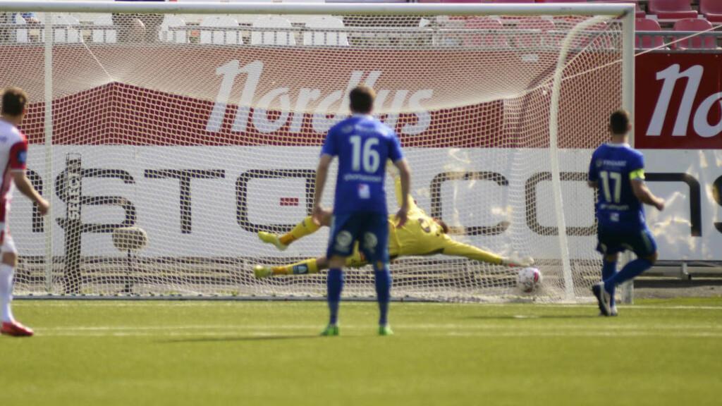 1-0: Steffen Ernemann var sikker fra straffemerket to ganger. Det holdt til tre poeng i Tromsø. Foto: Rune Stoltz Bertinussen / NTB Scanpix