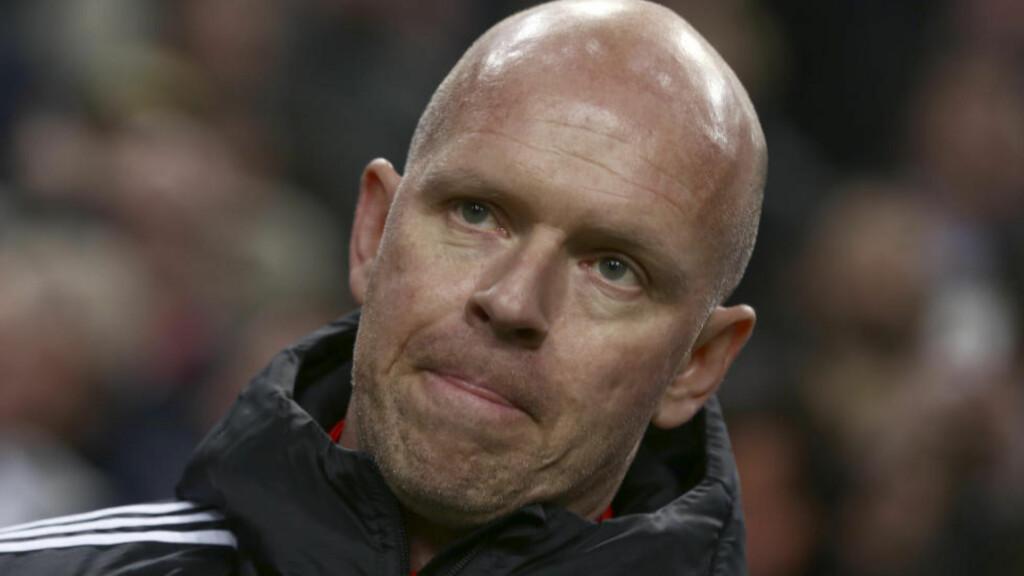 TROR PÅ JOSE: Henning Berg tror Jose Mourinho kan bringe Manchester United rett tilbake til toppen av engelsk fotball. Foto: AP Photo/Peter Dejong