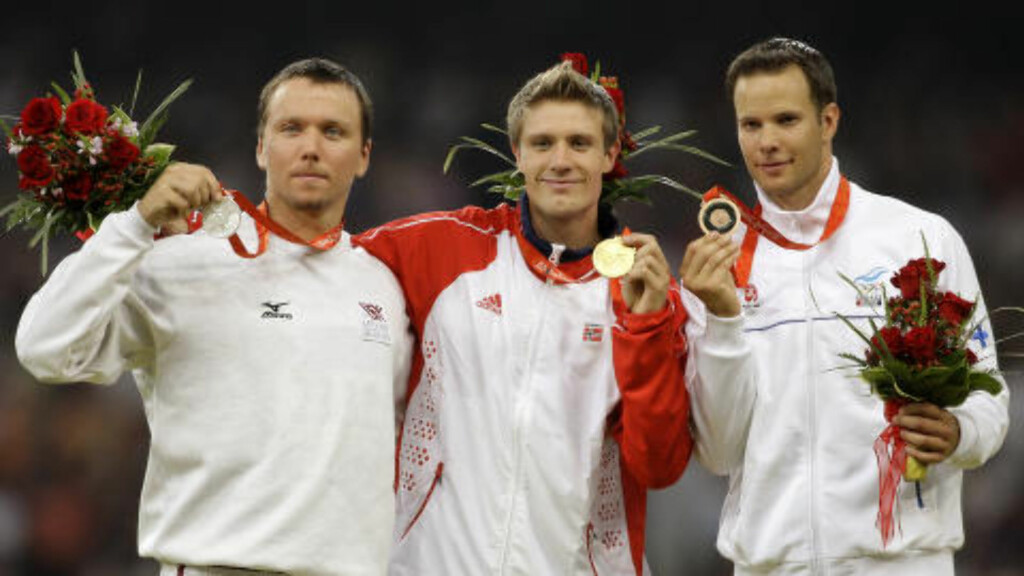 TO OL-GULL: I Beijing i 2008 tok Andreas Thorkildsen sitt andre strake OL-gull foran Ainars Kovals og Tero Pitkämäki. Foto: LEHTIKUVA / Jussi Nukari
