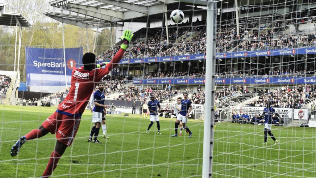 FULL KONTROLL: Rosenborg viste tegn på storform og slo Stabæk enkelt 3-1 hjemme i kveld. Foto: Hans Arne Vedlog / Dagbladet