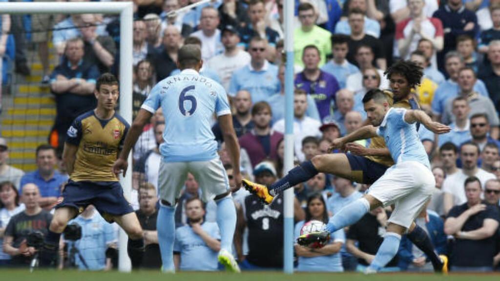KLASSE: Sergio Agüero viste hvorfor han - nok en gang - er med i kampen om toppscorertittelen da han banket inn 1-0 for City. Foto: Reuters / Andrew Yates / NTB Scanpix