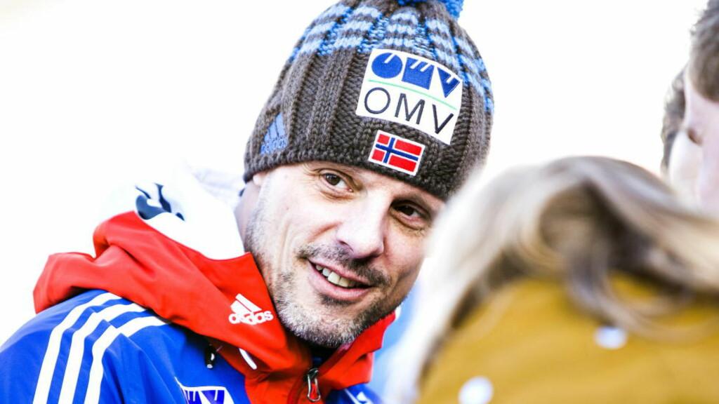 SAVN: Han har kontrakt med skiforbundet til etter OL i Pyeongchang, men suksesstrener Alexander Stöckl svarer uklart på hva som skjer etterpå. Foto: Halvor Njerve
