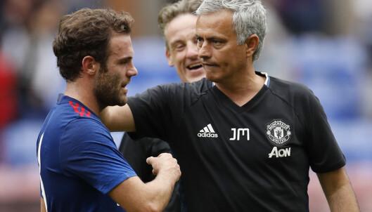 <strong>FÅR BLI:</strong> Jose Mourinho solgte Juan Mata fra Chelsea til Manchester United, men ønsker ikke å selge spanjolen enda en gang. Foto: Action Images via Reuters / Lee Smith Livepic EDITORIAL USE ONLY.