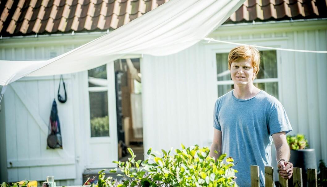 """PÅ BOLIGJAKT: Søren Ruud Dingstad får greie på hvilket studium han kommer inn på i dag. Sommeren&nbsp;<span style=""""line-height: 1.6em; background-color: initial;"""">tilbringer han på hytta i Horten. FOTO: THOMAS RASMUS SKAUG</span>"""