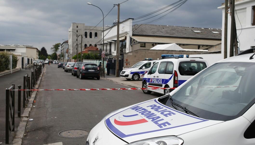 <strong>AKSJON:</strong> Politiet i Paris har aksjonert mot to adresser og har tilsammen pågrepet 20 personer. Bildet er fra aksjonen i Argenteuil-området i dag. Foto: AFP / NTB scanpix
