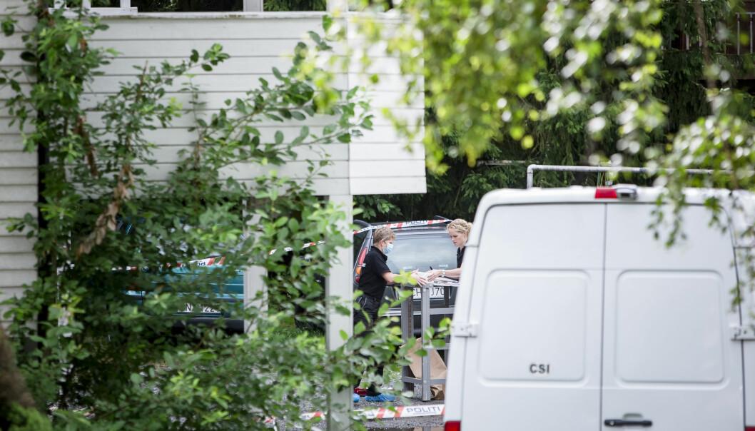 <strong>ÅSTEDET:</strong> Mannen ble funnet utenfor dette huset på Haugenstua, av en forbipasserende. Foto: Krister Sørbø / NTB Scanpix