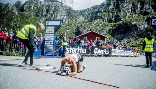 <strong>UTSLITT:</strong> Therese Johaug var så sliten etter seieren i Lysebotn Opp, men reiste seg raskt.   Foto: Thomas  Rasmus skaug / Dagbladet