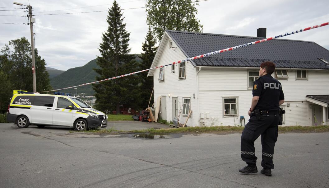 <strong>USKADD:</strong> - Han framstår i hvert fall som uskadd, det er mulig å snakke med ham, sier stasjonssjef Morten Pettersen om den drapssiktede som ble pågrepet i går i Tromsø. Foto: Lars Andersen