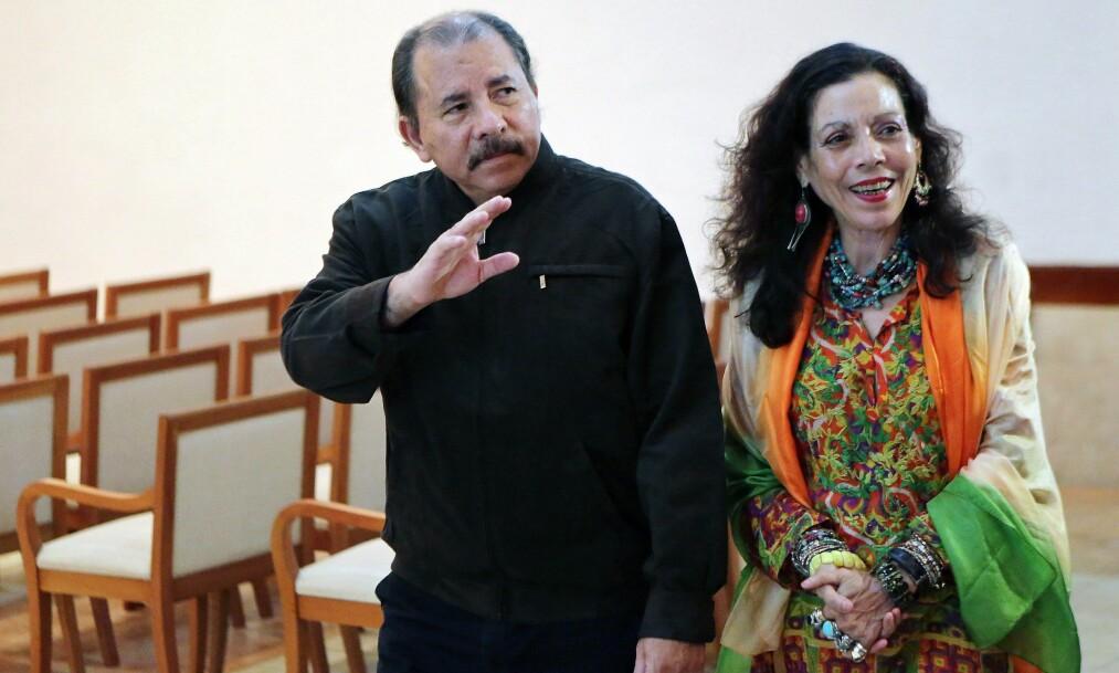 <strong>FAMILIE-DYNASTI:</strong> President Daniel Ortega og kona, Rosario Murillo, stiller til valg som president og visepresident i Nicaragua i november. Det kan bli fjerde gang han velges til president. Foto: NTB Scanpix / AFP PHOTO / Inti OCON