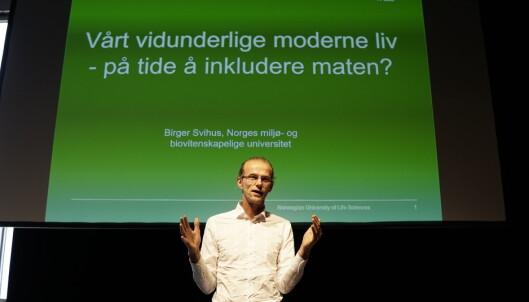 """DEN MODERNE MATEN: Professor ved Norges miljø- og biovitenskapelige universitet Birger Svihus, snakker om hvordan vi kan inkludere maten i vårt moderne liv, her på Gladmats konferanse """"Kokepunktet"""" Foto: MARTIN LARSEN"""